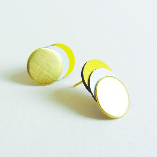 yellowcircle2_300