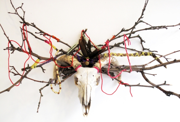 Sheep-skull-voodoo-decoration.1