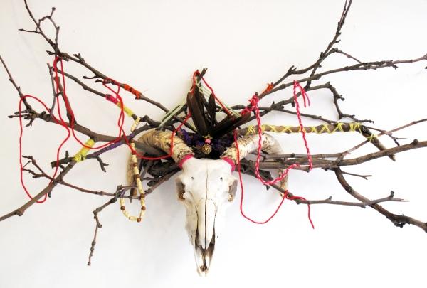 Sheep-skull-voodoo-decoration.1